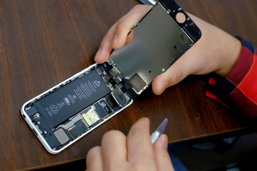 Apple is one of the world's largest end users of cobalt for the batteries in its gadgets, but until now it has left the business of buying the metal to the companies that make its batteries.