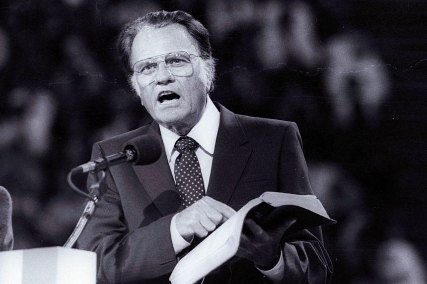 Evangelist Billy Graham preaching the Gospel at Bercy's Stadium in Paris on Sept 20, 1986.