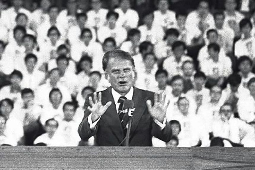 Dr Graham in Singapore in 1978, when more than 65,000 turned up to hear him speak.