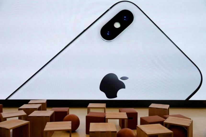 Industry sources said Apple had spoken to miners such as Glencore, which said late last year it would produce around 39,000 tonnes of cobalt this year.