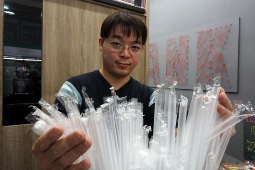 Taiwan's new plan will force major chain restaurants to stop providing plastic straws for in-store use from 2019, a requirement that will expand to all dining outlets in 2020.