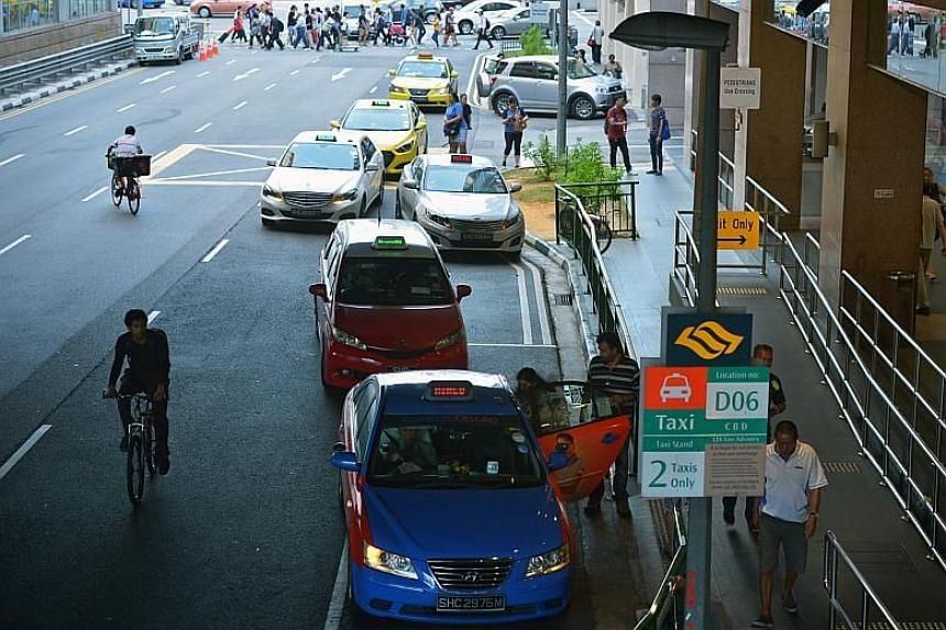 The results of a Public Transport Council survey showed that commuters had a greater propensity to use private-hire car services, rather than cabs.