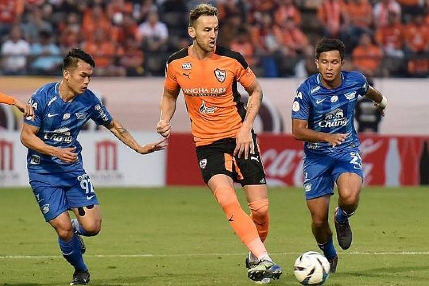 Zulfahmi Arifin on his debut for Chonburi on Jan 10. The Singaporean was one of eight players chosen to model the club's new kit.