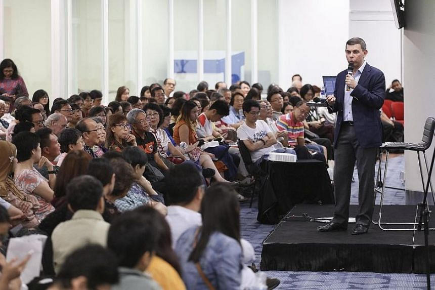 Over 300 people turned up to listen to Straits Times editor Warren Fernandez as he spoke about tackling the rise of fake news at the National Library last night. He said ST will be making representations to a committee of MPs set up to recommend how