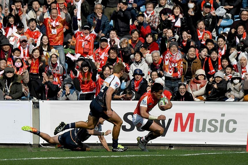 Hosea Saumaki scoring a try in the Sunwolves' 25-32 loss to Australia's Brumbies in Tokyo last Saturday in their opening game.