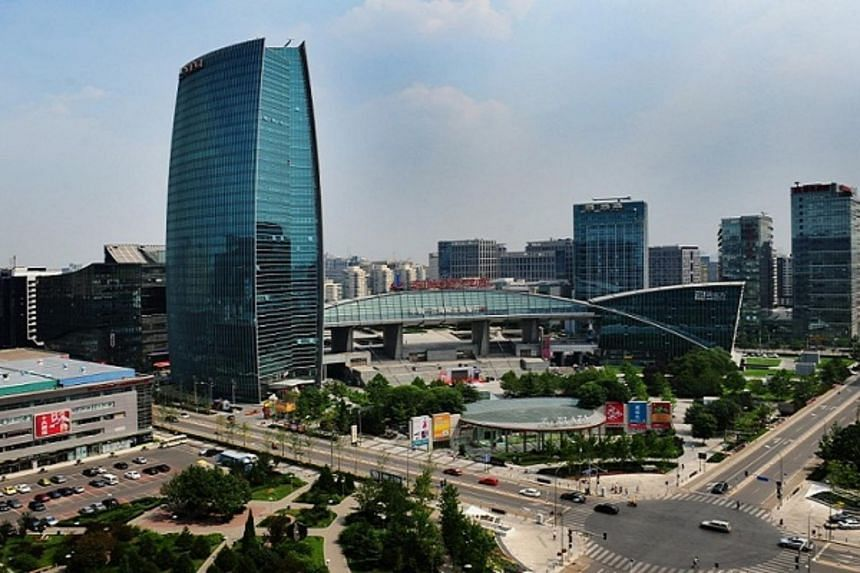 New foreign hires at Zhongguancun Science Park will enjoy generous visa terms and more will also get the coveted permanent residence certificate.