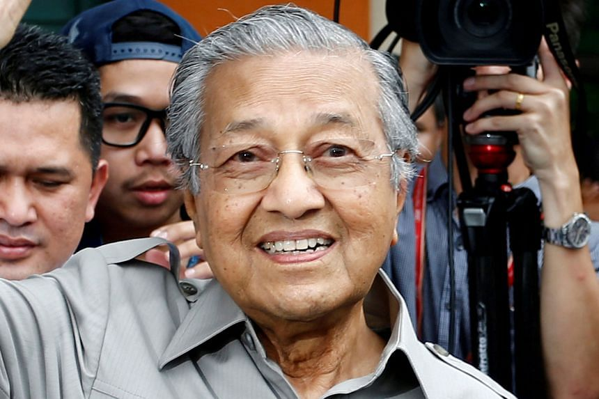 Dr Mahathir Mohamad plans to visit farmers under the Felda scheme who have voted for the ruling Barisan Nasional for generations.