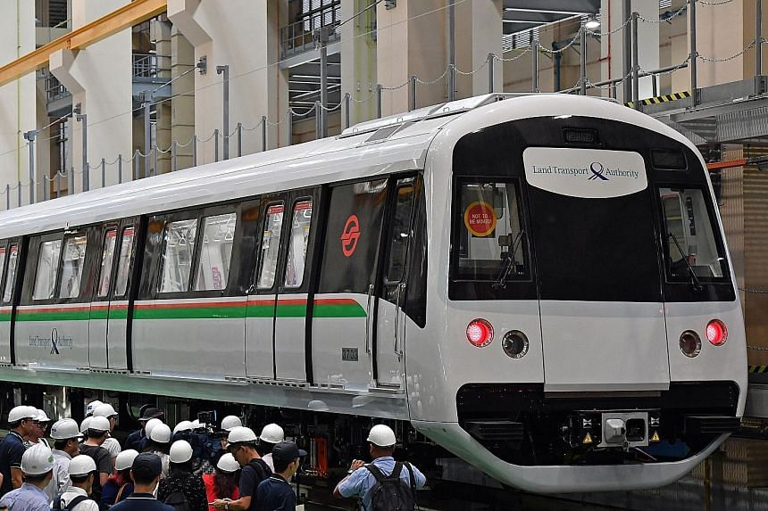Each train car has 12 tip-up seats, which are controlled by the operator. The seats are locked when in place and only the operator has access to the mechanism.