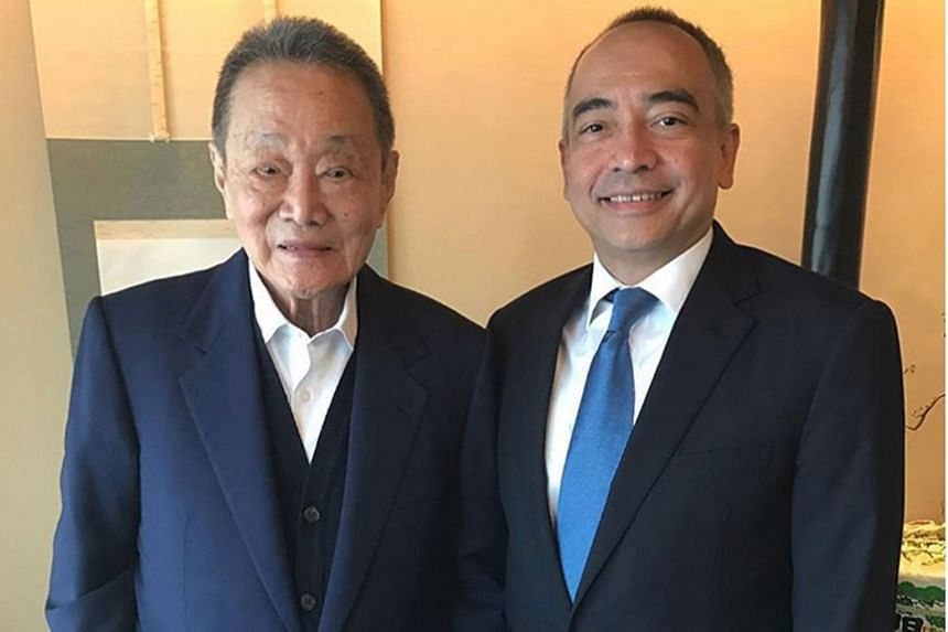 "Banker Nazir Razak, the younger brother of Prime Minister Najib Razak, with tycoon Robert Kuok in an Instagram post last year. He says Mr Kuok ""is a patriot, the icon of Malaysian business and a first-class gentleman""."