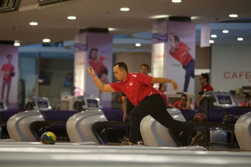 Singapore para-bowler Ismail Hussain won the TPB 3 men's singles and Masters golds at the three-day Micron Singapore World Para Bowling Tour Series 2018.