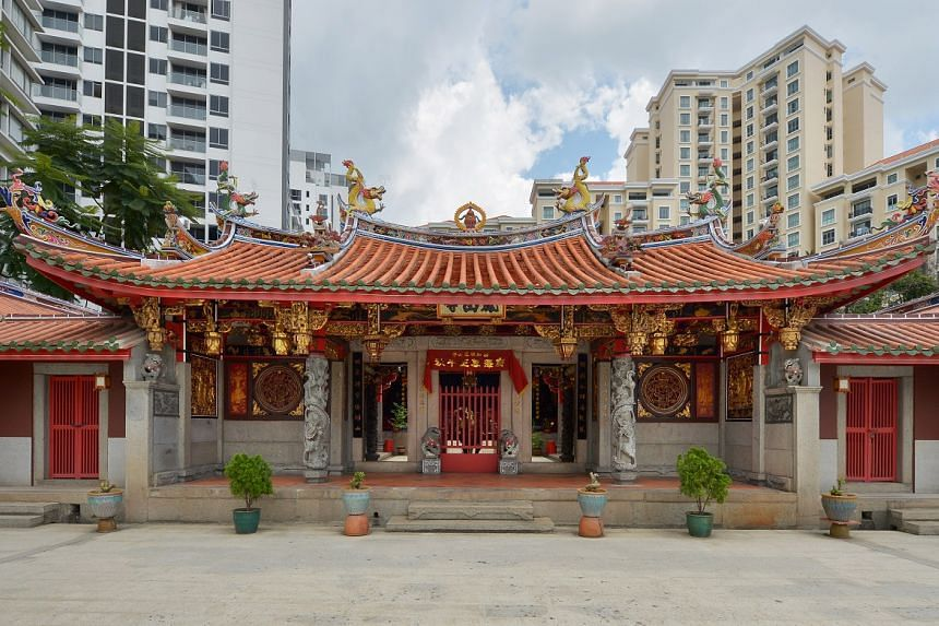 """Details of how the Hong San See temple was built feature in seven """"rare"""" account books which have been donated to the National Library Board."""