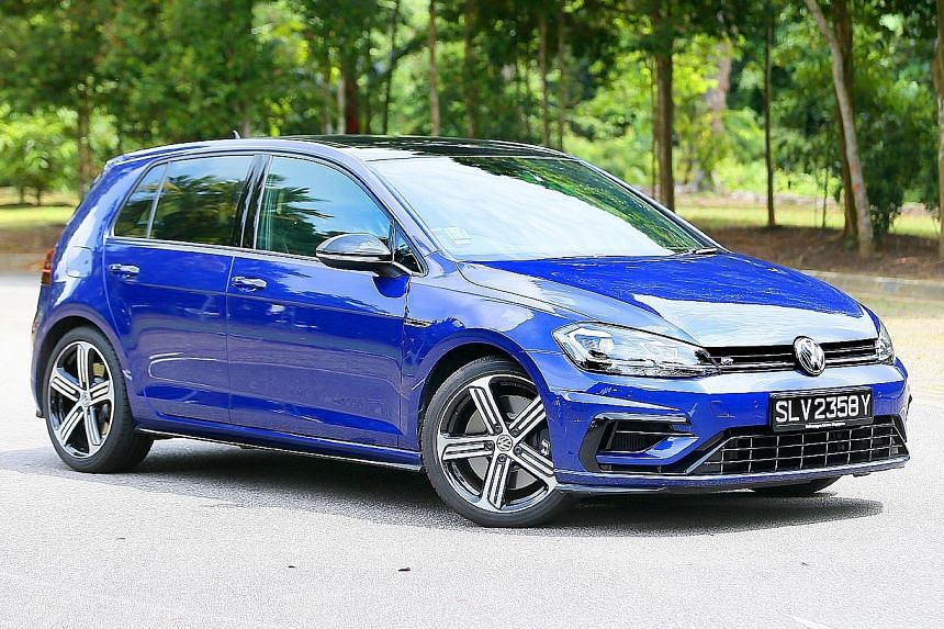 The facelifted Volkswagen Golf R boasts daytime-running lights that double as turning winkers.