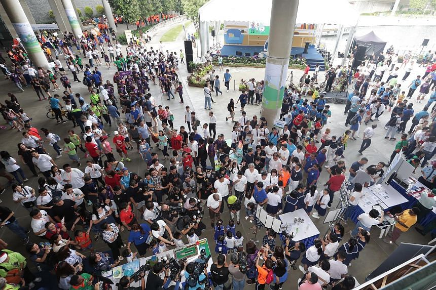 More than 4,000 participants from 30 organisations and educational institutions celebrated Singapore World Water Day at the Marina Barrage on March 3, 2018.