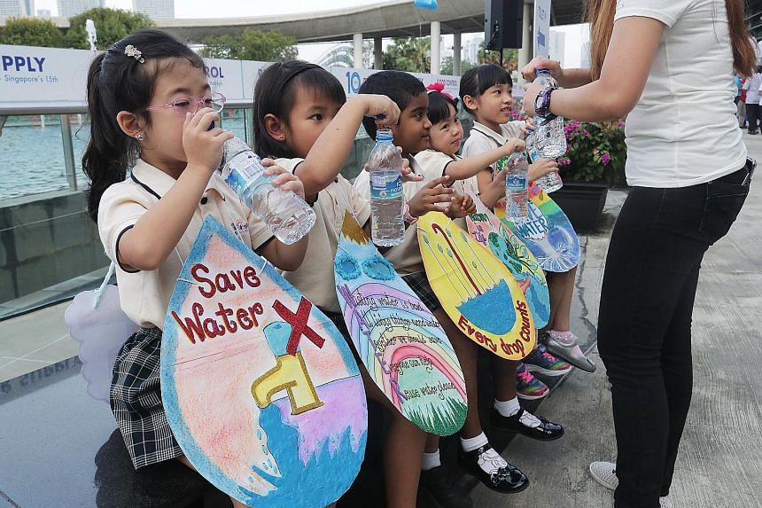 Just Kids Learning Place, one of SWWD's community partners, got pre-schoolers from Just Kids @ Yishun to perform a song titled Where Is Water. They were dressed in props featuring different water-saving tips done by the school's teachers.
