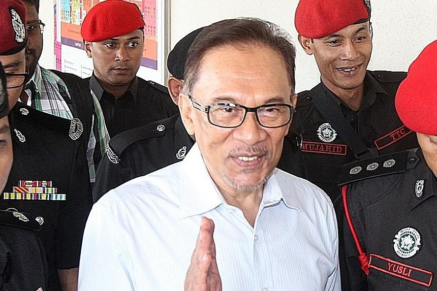 Anwar Ibrahim was admitted to hospital after suffering a negative reaction to a steroid injection to his right shoulder.