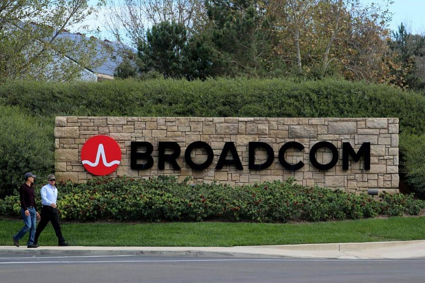 In a rare intervention by the government, the Trump administration moved to stall the potential takeover of Qualcomm, the leading US chipmaker, by Singapore-based Broadcom on national security grounds.