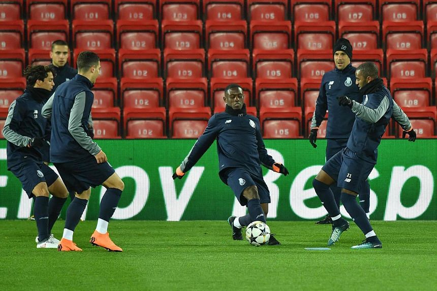 Porto's Portuguese defender Ricardo Pereira (right) and Porto's Spanish midfielder Oliver Torres in a training session on March 5, 2018.