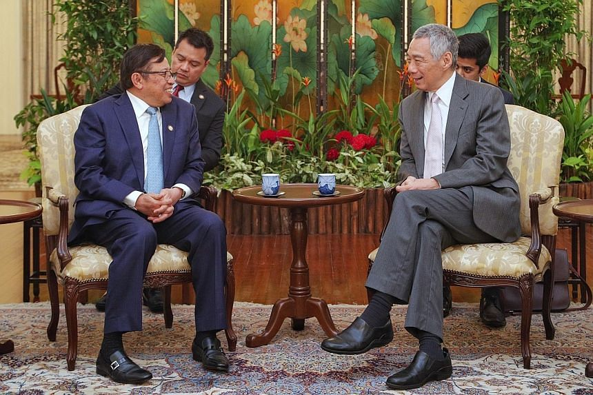 Prime Minister Lee Hsien Loong received a call from the Sarawak Chief Minister Abang Johari Openg yesterday. During the call, Prime Minister Lee and Datuk Abang Johari reaffirmed the longstanding people-to-people ties between Singapore and Sarawak, a
