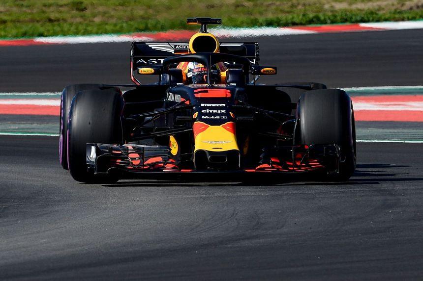Ricciardo driving at the Circuit de Catalunya on March 7, 2018.