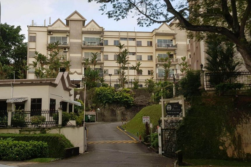 Toho Mansion is a walk-up apartment complex with two four-storey residential blocks consisting a total of 32 apartments.