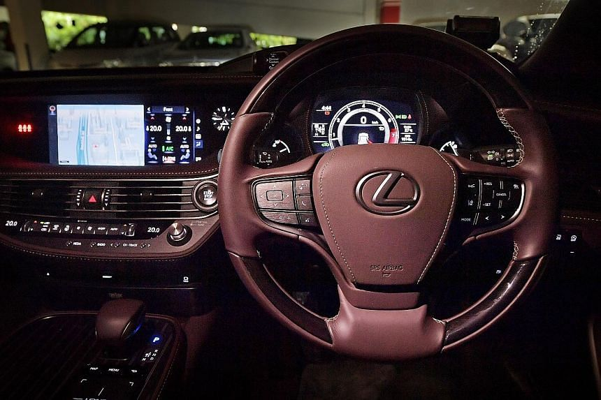 The Lexus LS350 comes with full LED exterior and interior lights, touchscreen display and a slew of active safety systems.