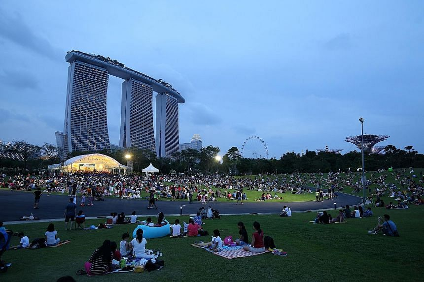 About 5,000 people enjoyed a picnic while listening to the Singapore Symphony Orchestra (SSO) yesterday evening. The concert marked the first of 13 this year under the SPH Gift of Music, a series of free community concerts sponsored by Singapore Pres