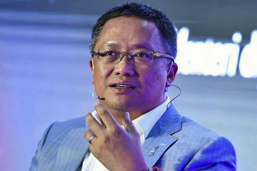 Datuk Seri Abdul Rahman, who is a minister in the Prime Minister's Department, said Barisan Nasional's manifesto would touch on the economy, among other things.