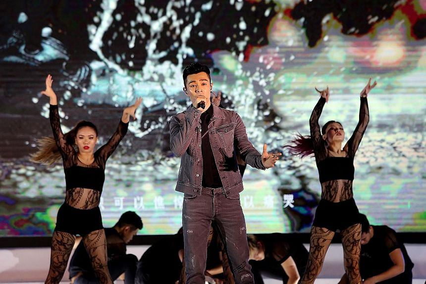 Singer-songwriter Pakho Chau wowed with an emotional rendering of a ballad. Veteran Hong Kong stars who performed at the concert included Maria Cordero (above) and Nancy Sit (right).