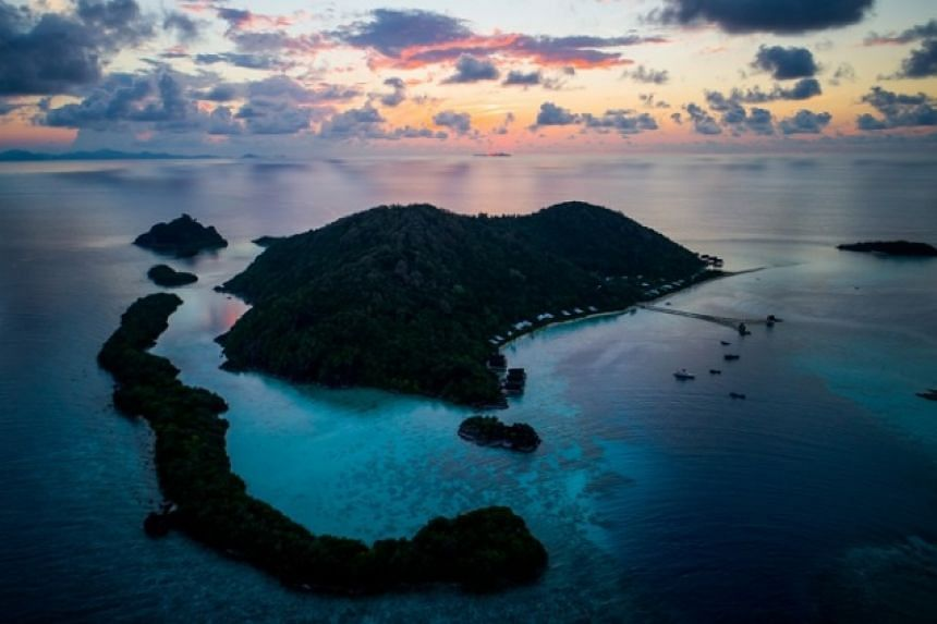 Bawah Island is a collection of 5 islands, 3 lagoons and 13 beaches.