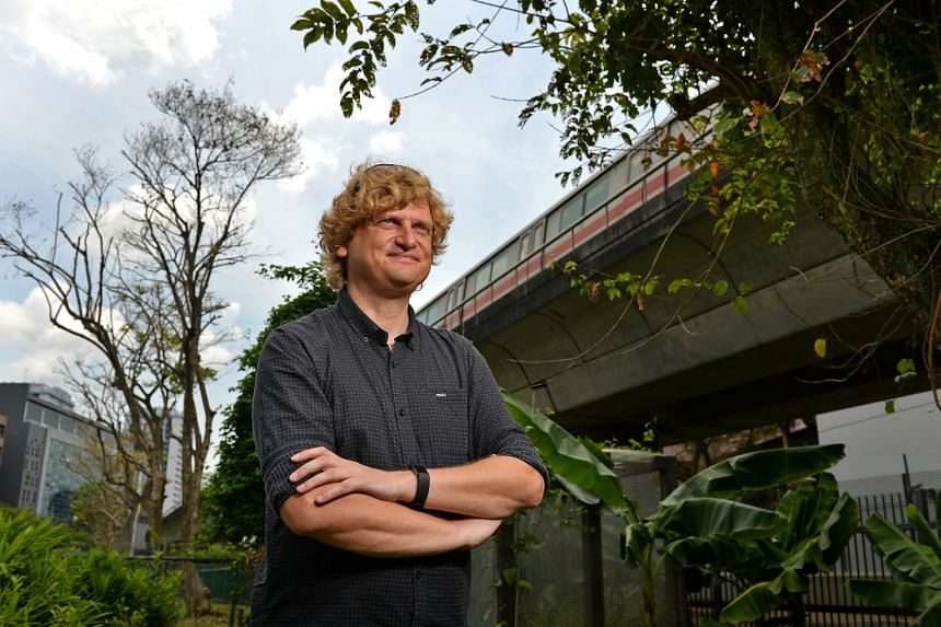 Dr Neil Hutchinson, a senior lecturer for the Singapore campus of James Cook University's (JCU) environmental science programme believes that Singapore businesses must take the initiative to tackle sustainability issues to maintain leadership positio