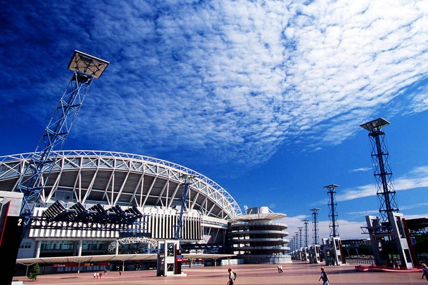 The Olympic Stadium was to be replaced by a 75,000-seater structure, possibly with a roof, at a cost of A$1.5 billion starting in 2019.