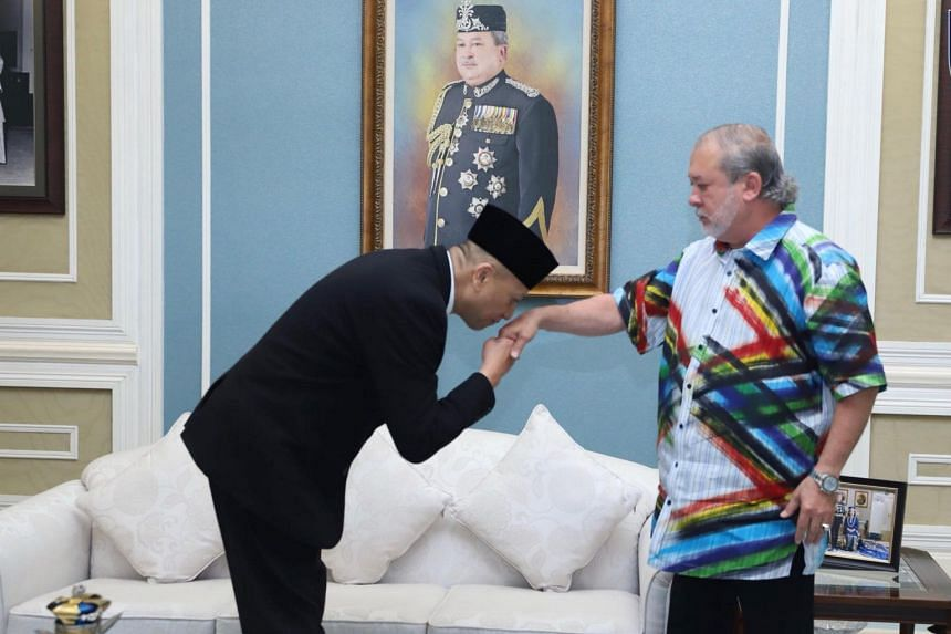 It is not known exactly what Nazri Aziz is apologising for, but in 2015, the minister had told Johor Crown Prince Tunku Ismail Sultan Ibrahim to stay out of politics.