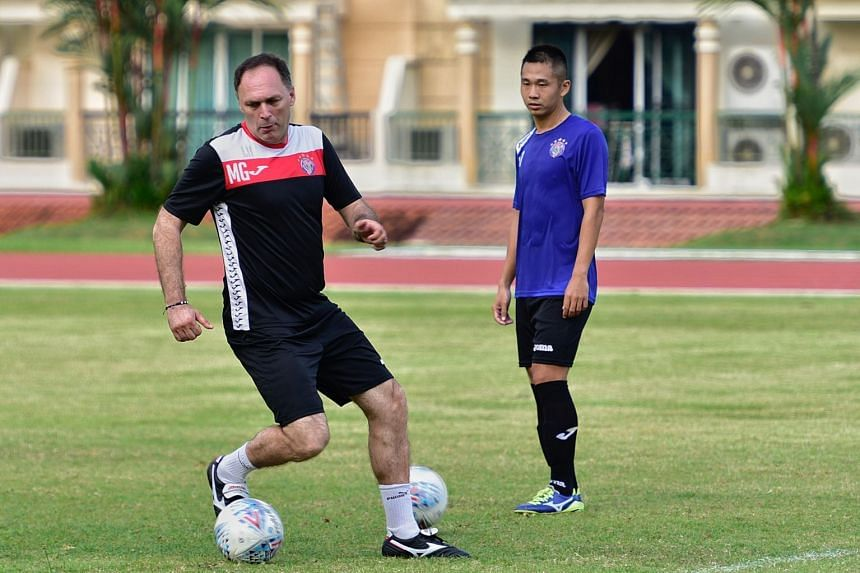 Mirko Grabovac has received an employment pass to coach Warriors FC after a near two-month wait.
