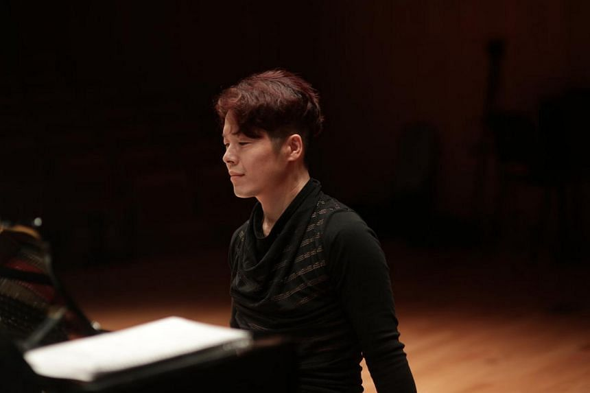 Korean pianist Quentin Kim arrived to perform in Yong Siew Toh Conservatory's busy Visiting Artist Series weighed down by extravagant publicity baggage.