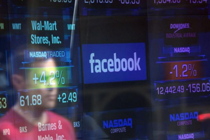 American and European politicians are calling on Facebook's chief executive officer Mark Zuckerberg to appear before lawmakers to explain how a political advertising firm retained information on millions of users without their consent.
