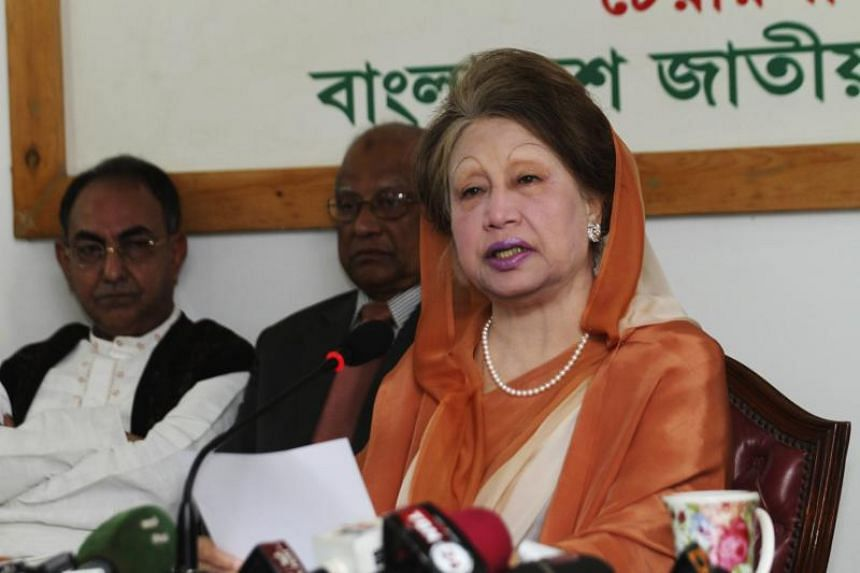 Bangladeshi opposition leader Khaleda Zia speaks during a press conference in Dhaka on Feb 7, 2018.