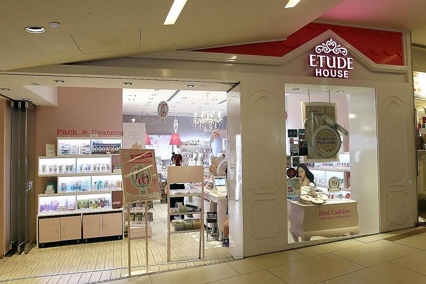 The Etude House AC Clean-Up Mild Concealer has been recalled after metal traces above the permissible level were found in it. Customers who have bought the affected product can return it for a full refund or exchange at any of the South Korean beauty