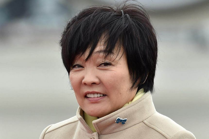 Opposition parties have called for Japanese Prime Minister Shinzo Abe's wife Akie to appear in Parliament to explain her links with a school operator at the centre of the cronyism scandal.
