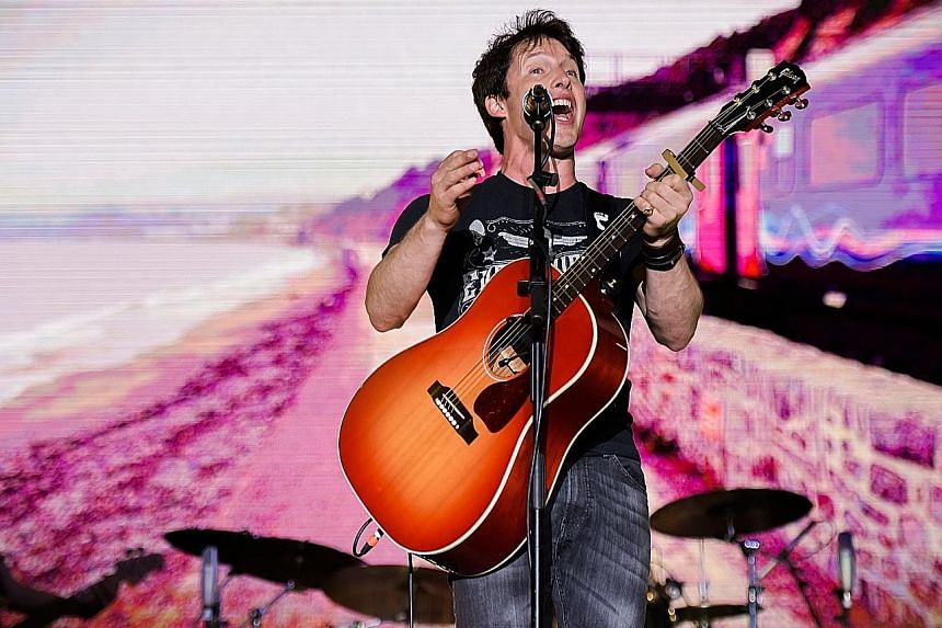 Apart from ballads, James Blunt also showcased upbeat songs and his self-deprecating humour.
