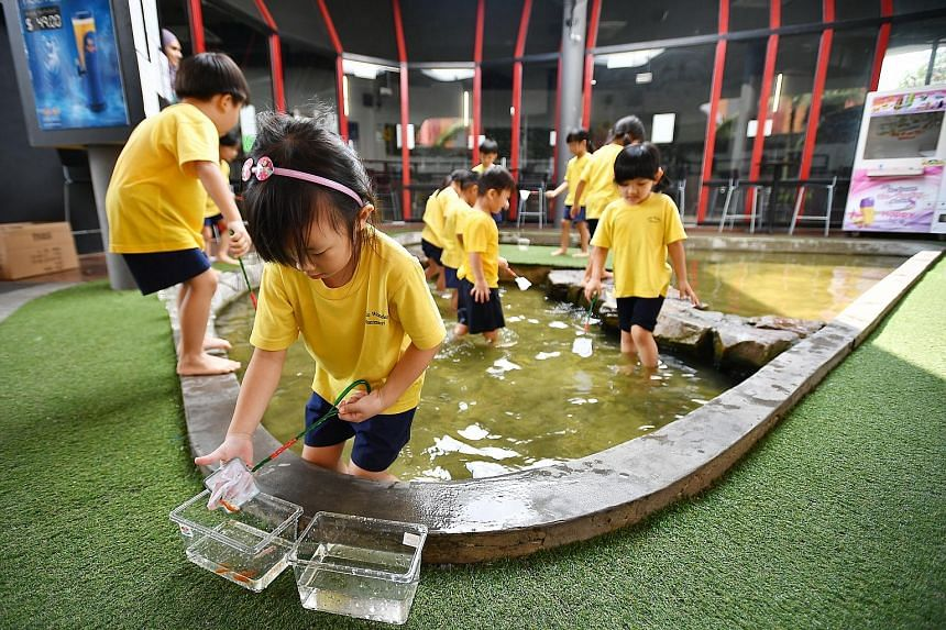 Orto in Lorong Chencharu is one of five longkang fishing facilities licensed to operate in Singapore. Each of these facilities features ponds or streams with water between ankle-and shin-deep, where youngsters can try to catch small fish using small