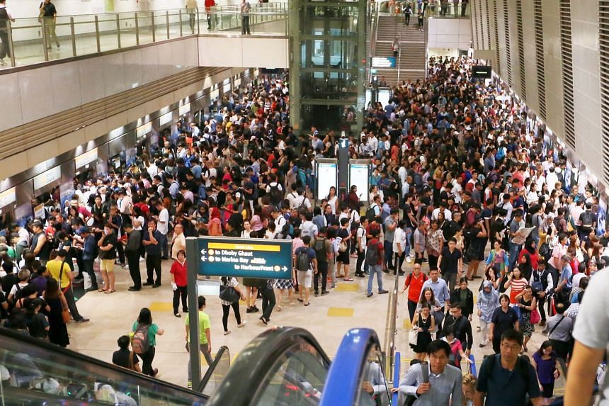 A signalling fault caused train delays on the Circle Line at Bishan MRT station, on Nov 15, 2017.