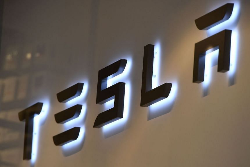 In last week's accident, it was unclear if Tesla's automated control system was driving the car.