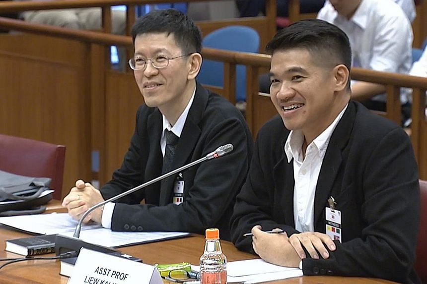 Associate Professor Alton Chua (left) and Assistant Professor Liew Kai Khiun at the Select Committee hearing yesterday. The two academics said the online citizenry is savvy enough to detect falsehoods most of the time.
