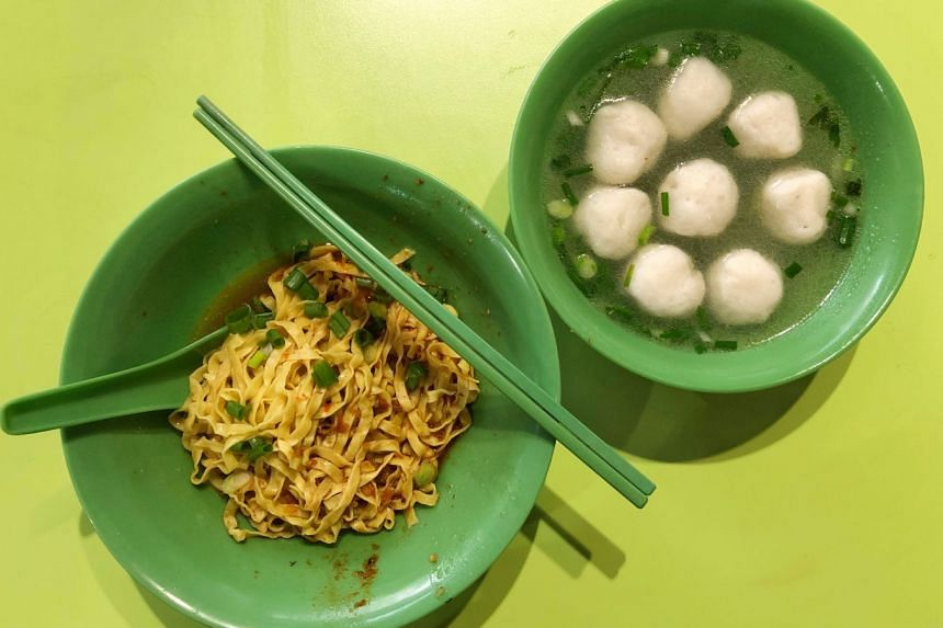 Mee pok cooked perfectly and fishballs with good texture make a satisfying breakfast.
