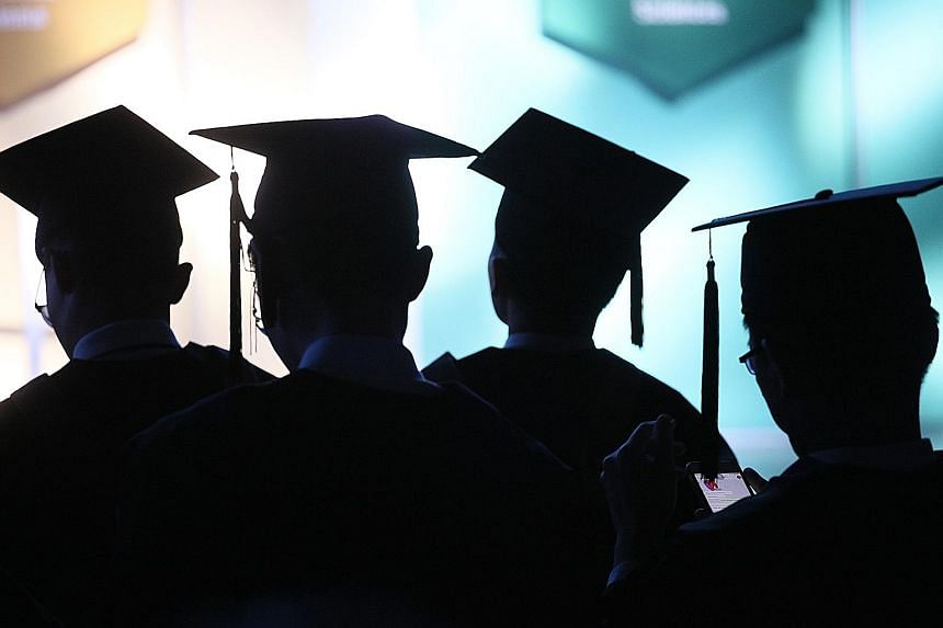 The survey, released yesterday, also showed that private school fresh graduates had median gross starting salaries of $2,650 a month, below the $3,400 for graduates of NUS, NTU and SMU.
