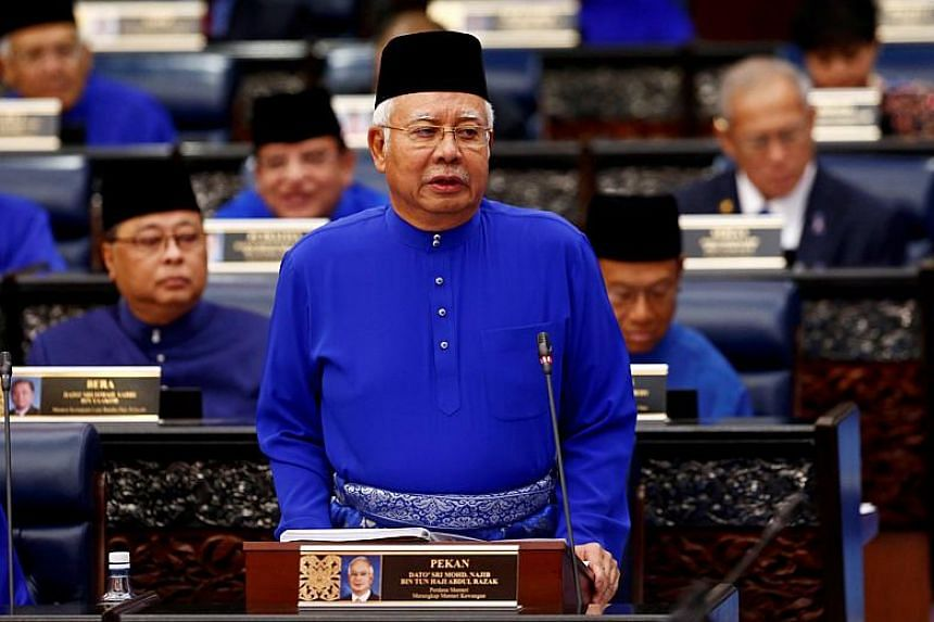 Malaysian Prime Minister Najib Razak promised a one-time cash payment of RM1,500 in October for civil servants and RM750 for government retirees as part of the government's 2018 budget.