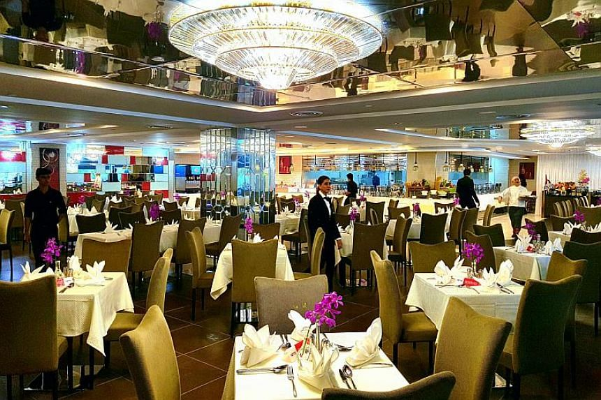 The 65 diners reported having stomach flu symptoms after consuming food from Royal Palm at Orchid Country Club.