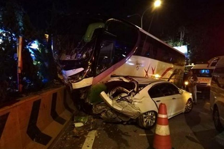 Genting Highlands Fire and Rescue Department chief Yusri Abdullah Sani said the accident occurred at 7.24pm when the vehicles were descending from Genting Highlands.