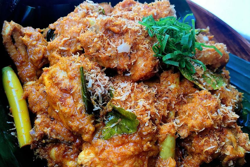 Rendang can be made using chicken, duck, mutton, seafood, vegetable, egg and glutinous rice.