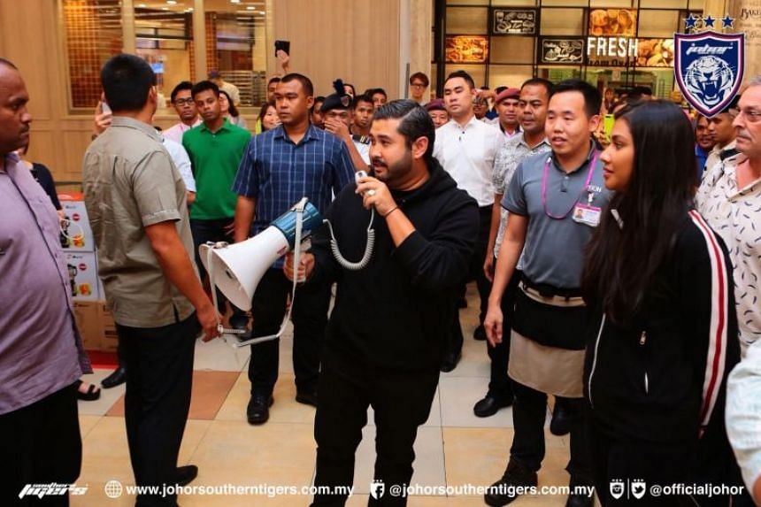Johor's Crown Prince Tunku Ismail Sultan Ibrahim had earlier forked out over RM1 million (S$338,000) on groceries for shoppers at the Aeon Tebrau supermarket in Johor Baru.
